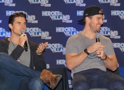 Heroes and Villains Fan Fest 2015 Features Antics at Panels with The Amells, David Ramsay and John Barrowman (Part Two)